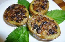 Молодой картофель, фаршированный грибами