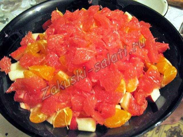 Грейпфрут нарезаем