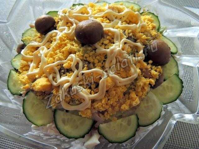 салат фасоль грибы курица