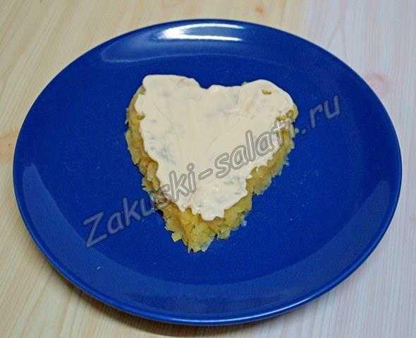 Слой картофеля в форме сердца