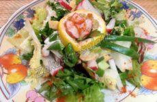 Весенний витаминный салат с редисом и сыром