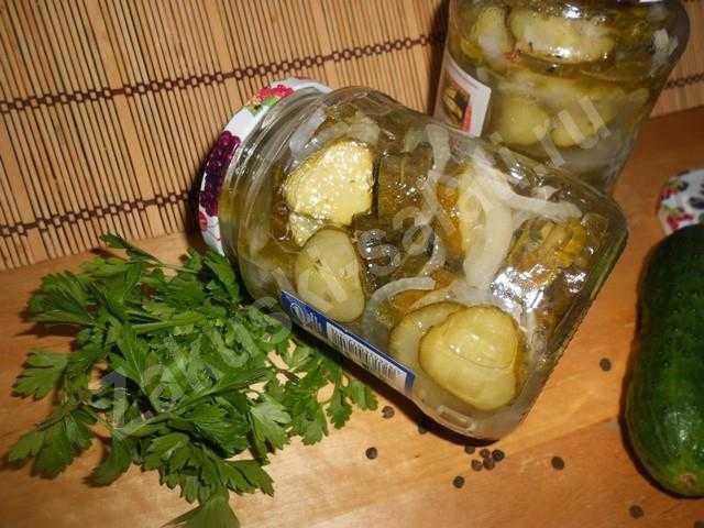 салат из огруцов и лука