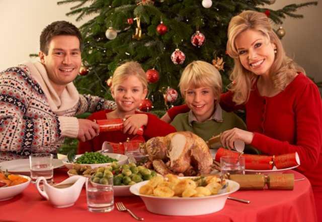 новогодний семейный стол