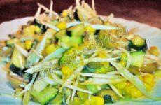 Легкий салат со свежей капустой и овощами