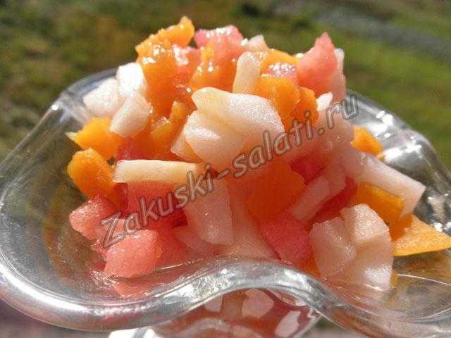 сладкий салат их фруктов