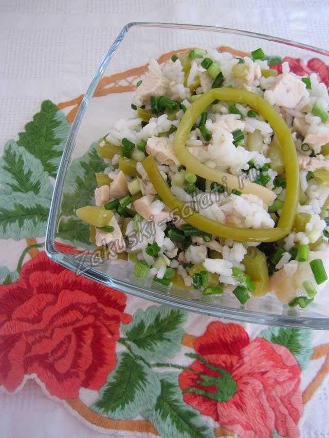 салат с маринованной черемшой