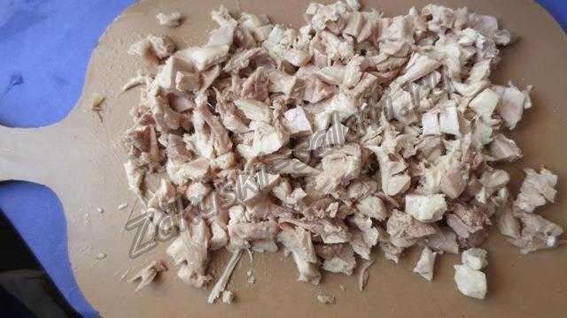 режем вареное мясо