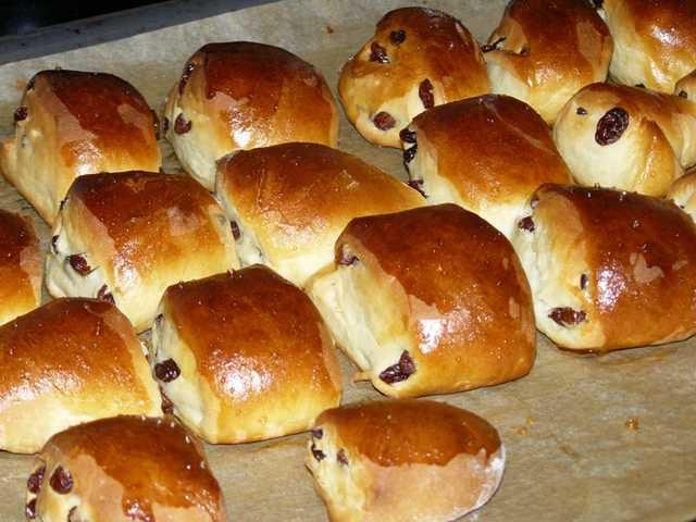 bulochki - Вкусные булочки с изюмом из дрожжевого теста