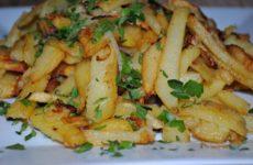 Как пожарить картофель с корочкой и лучком вкусно