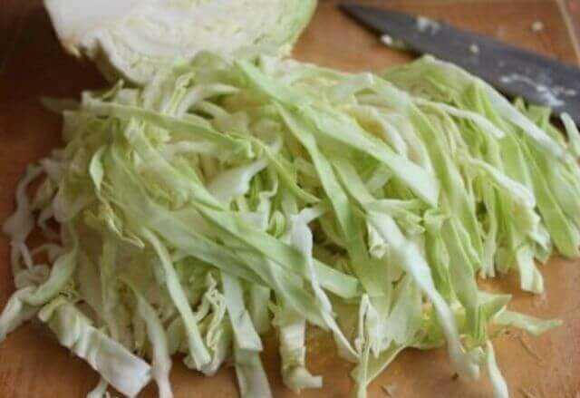 режем свежую капусту
