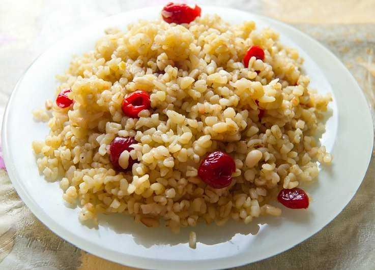 Булгур пшеница с сушеной клюквой